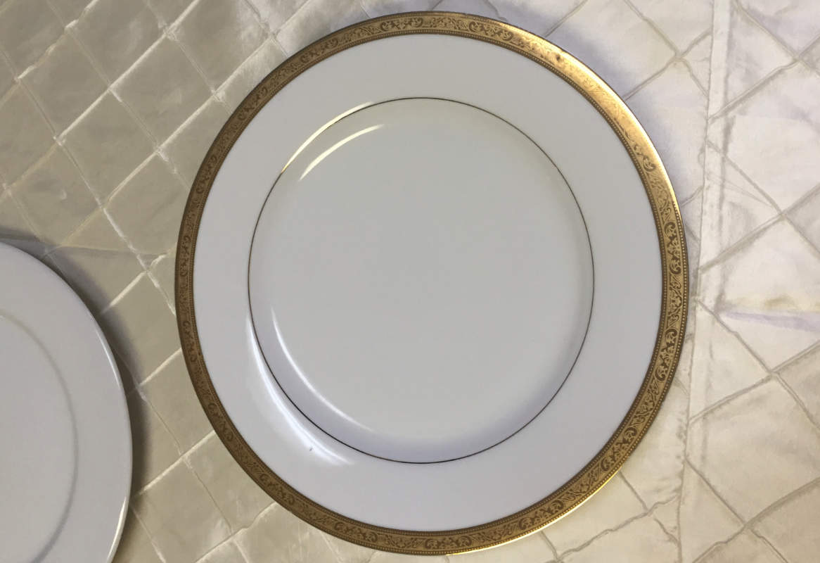 White with Gold Thick Rim Image