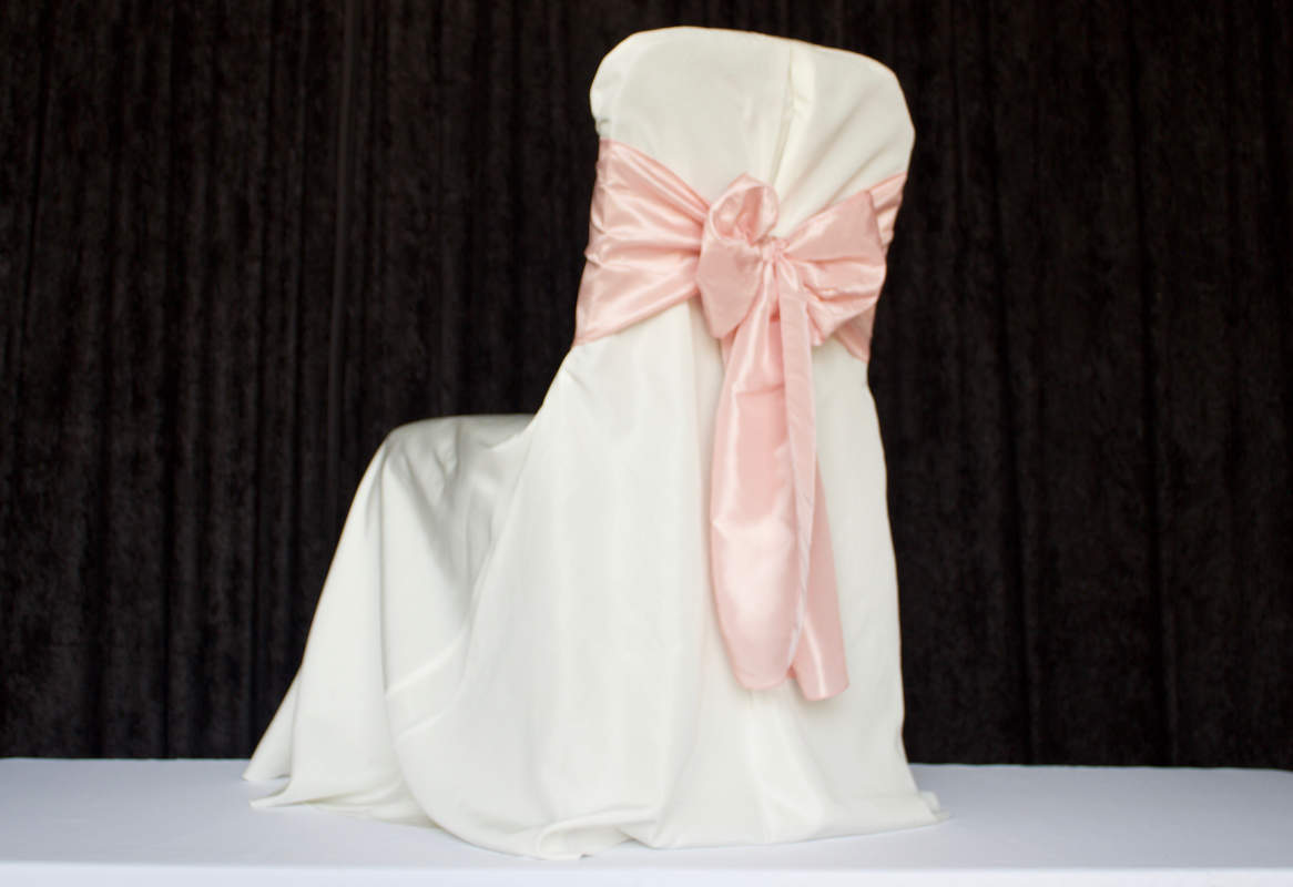Ivory Pleat for Banquet Polyester Chair Cover Image