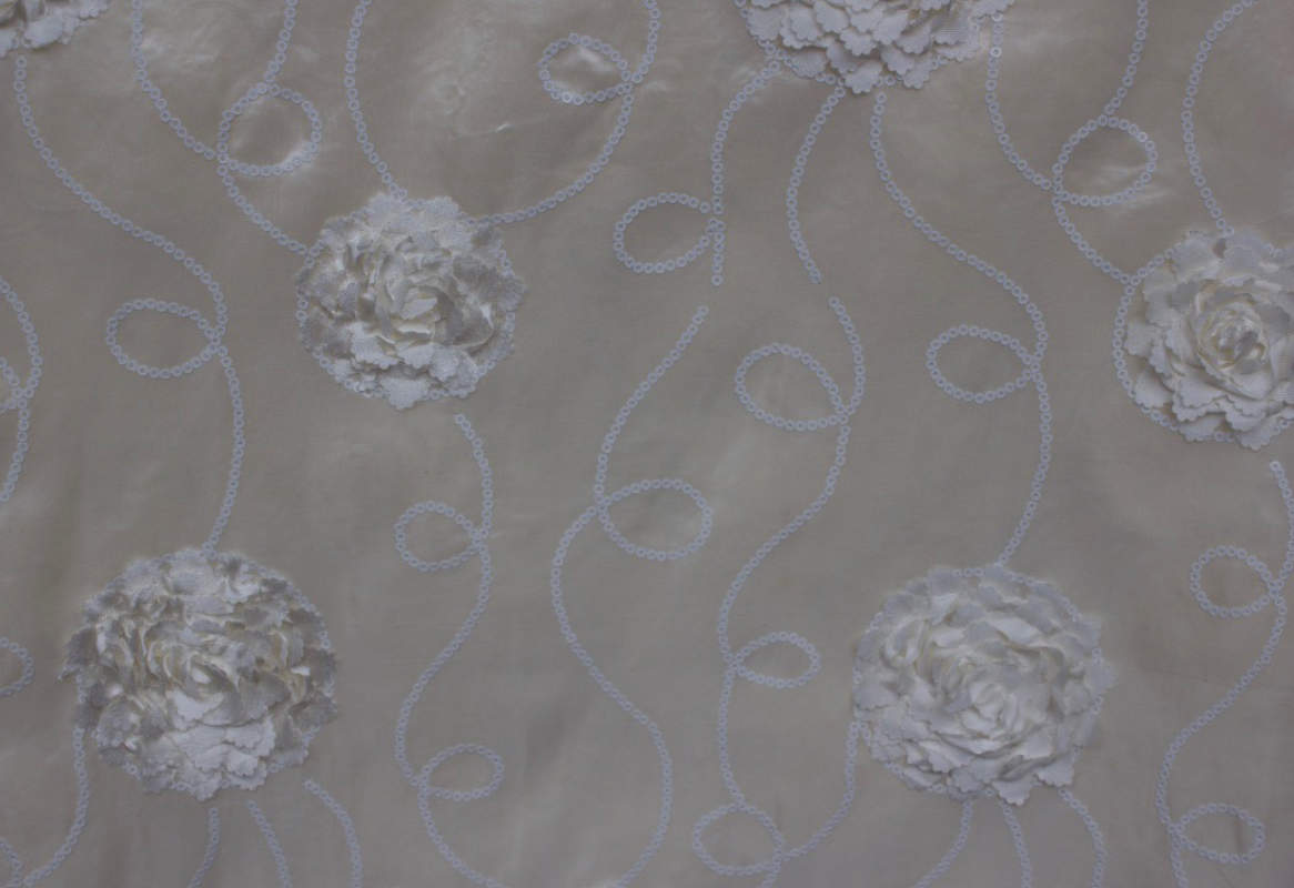 Ivory Swirl Sequence Embroidery Table Cloth Image