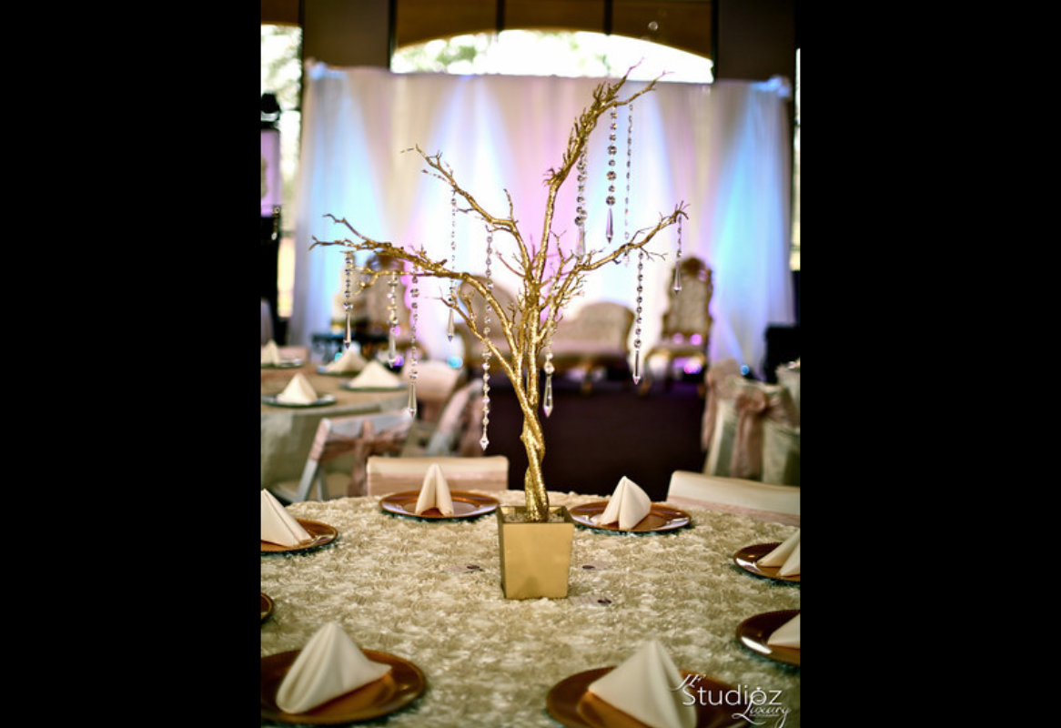Item 17 Custom Creation Centerpieces Image